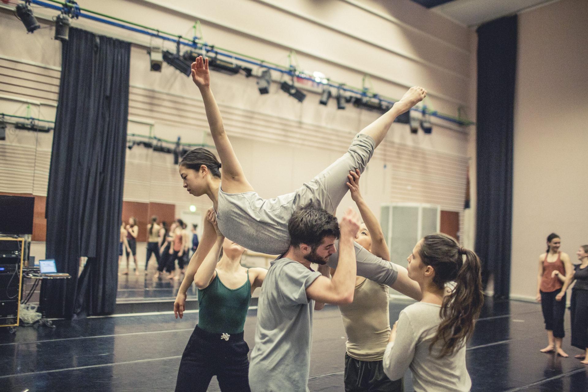 contemporary dance school