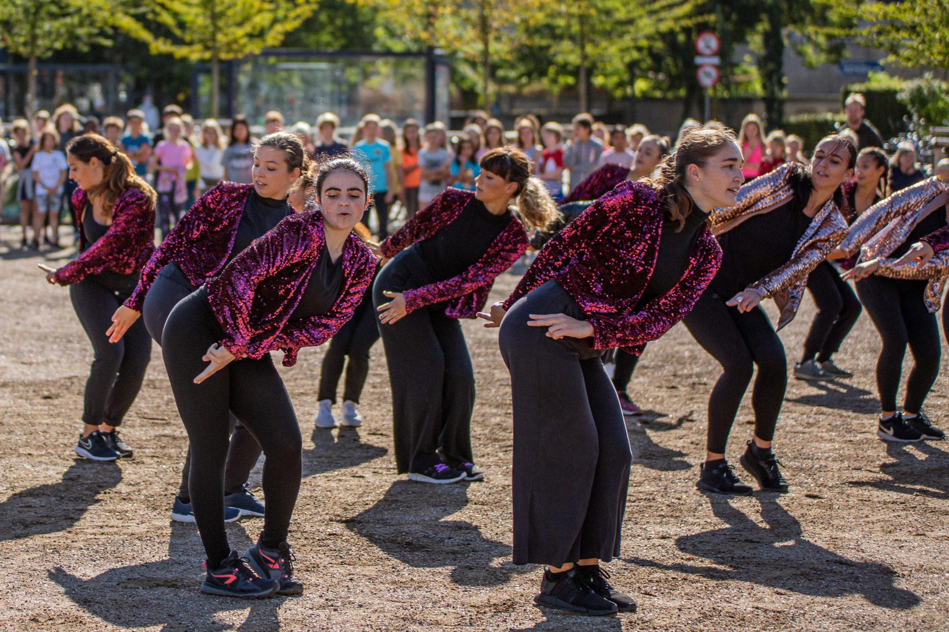 Dance058